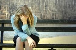 Депрессия - причина псориаза на ногтях