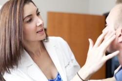 Консультация дерматолога при появлении красного лишая