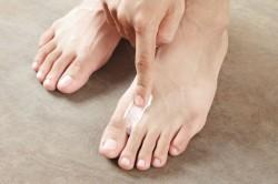 Лечение грибка ног мазями