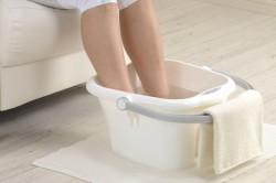 Ванночка с добавлением мыла и соды для лечения грибка ногтей