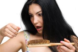 Выпадение волос в месте поражения грибком