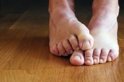 Пожелтение ногтей на пальцах ног